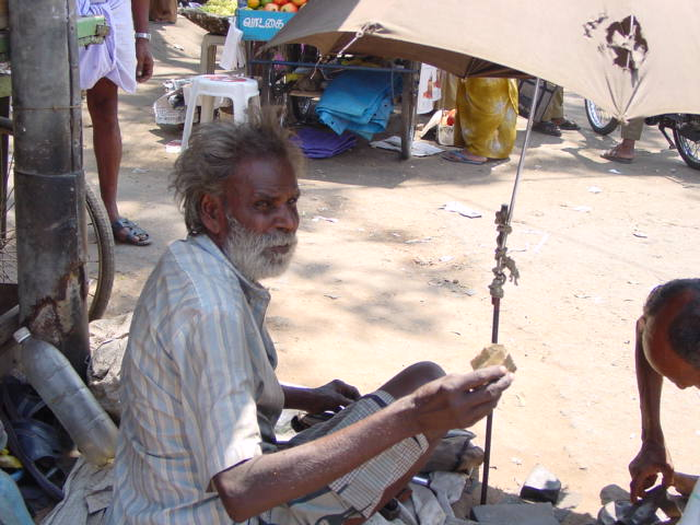 OLD MAN BEGGING IN THE STREETS TO EARN FOR FOOD