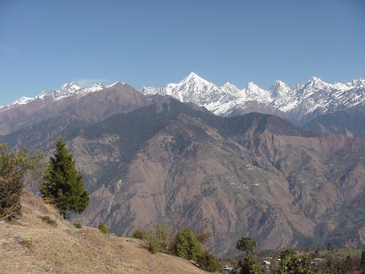 view of Pancholi mountain from MUNSYARI SPOT